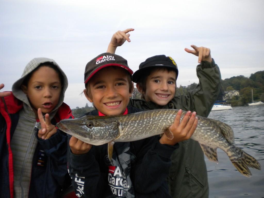 stage pêche enfants ados Savoie Haute-Savoie, Annecy, Bourget