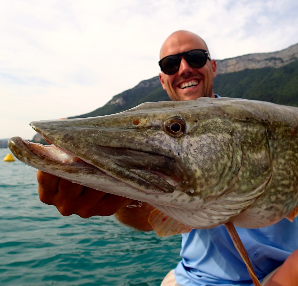 Pêche du brochet à Annecy avec jimmy maistrello