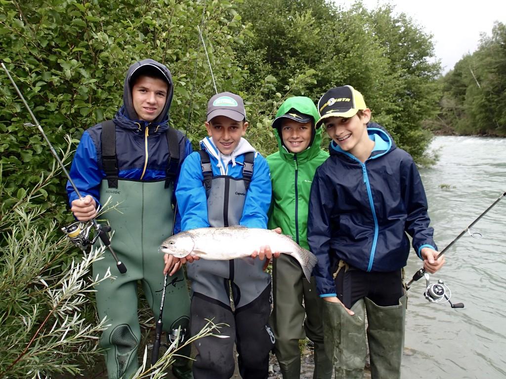 stage pêche ado en Savoie